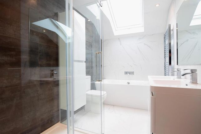 Family Bathroom of Braypool Lane, Patcham, Brighton, East Sussex BN1