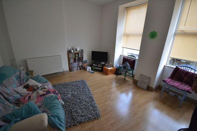 Thumbnail Flat to rent in King Street, Carmarthen