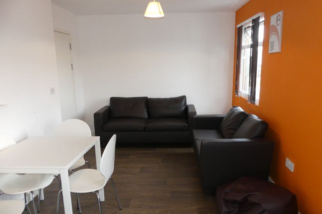 Thumbnail Flat to rent in High Street, Southampton