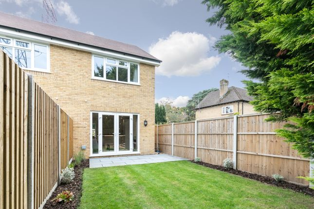 Picture No. 20 of Broomfield Road, New Haw, Addlestone KT15