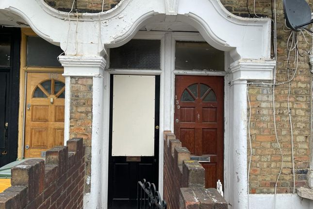 Thumbnail Maisonette to rent in Ling Road, London