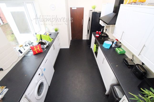 Thumbnail Room to rent in Walmer Road, Fratton