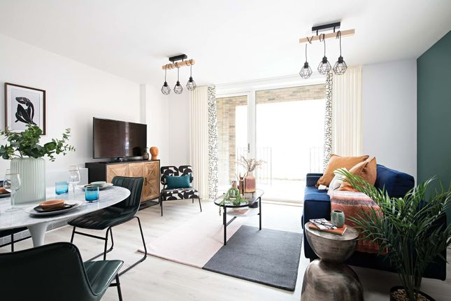 3 bed town house for sale in Sydenham Road, London SE26