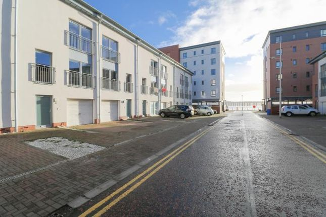 Thumbnail Town house to rent in Thorter Way, Dundee