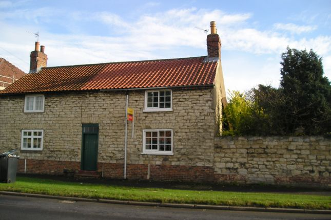 Thumbnail Cottage to rent in Town Street, Old Malton