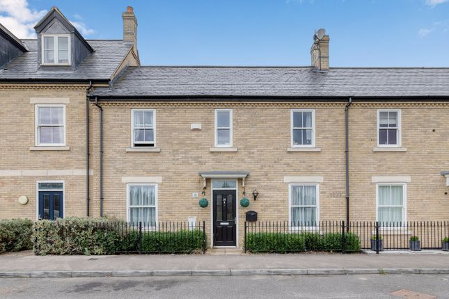 Thumbnail Terraced house for sale in Kipling Crescent, Stotfold, Herts