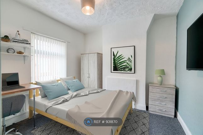 Double Bedroom 1 of Milnthorpe Street, Salford M6
