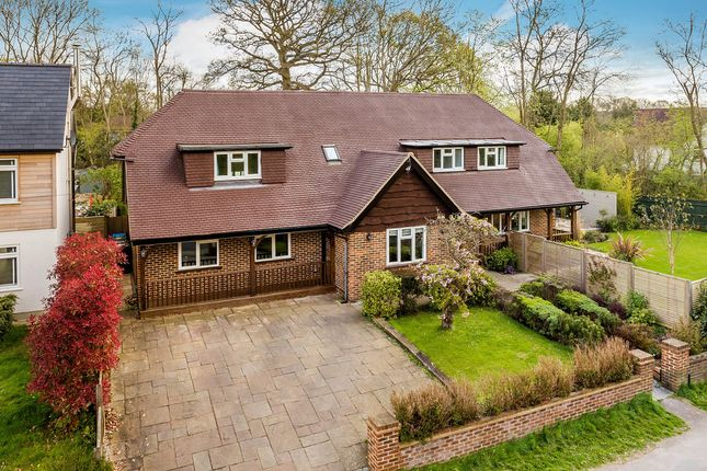 Thumbnail Detached house for sale in Gordons Way, Oxted