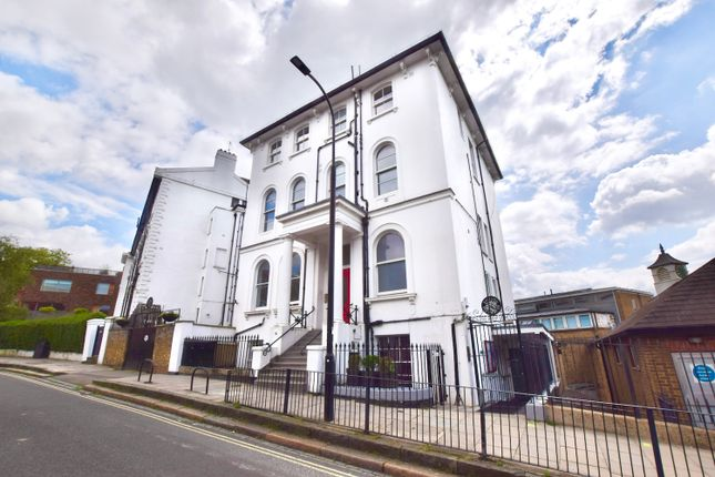 Thumbnail Flat for sale in College Crescent, London