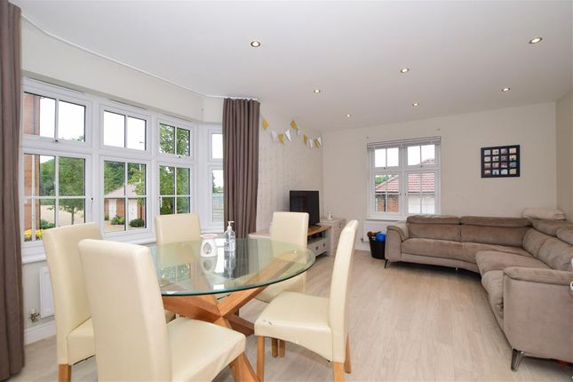 Thumbnail Flat for sale in Germander Avenue, Halling, Rochester, Kent