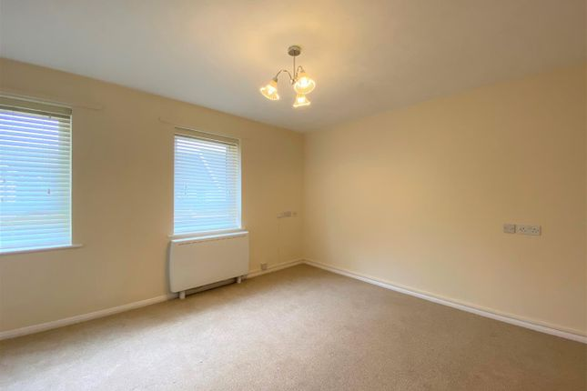 Lounge of Heath Court, Baughurst, Tadley RG26