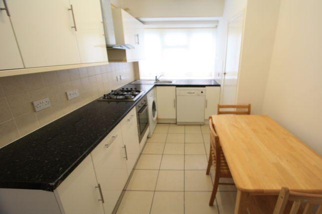 3 bed flat to rent in Merritt Road, Brockley SE4