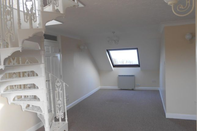 Thumbnail Flat to rent in Swonnells Walk, Lowestoft