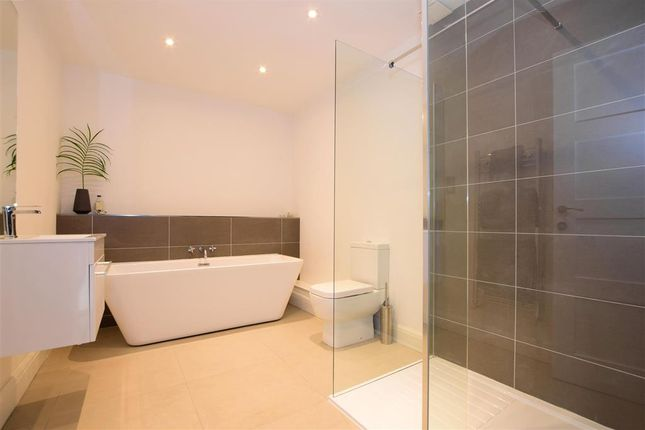 Bathroom of The Uplands, Loughton, Essex IG10
