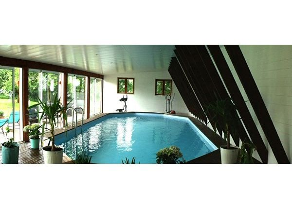 Properties for sale in saint sauves d 39 auvergne tauves issoire puy de d me auvergne france for Piscine issoire
