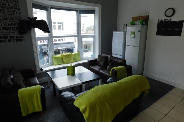 Thumbnail Maisonette to rent in Albert Rd, Southsea