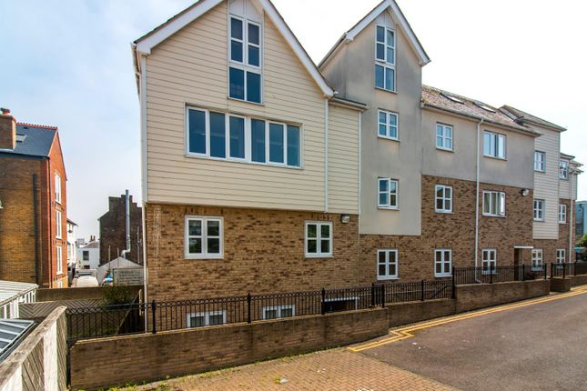 Thumbnail Flat for sale in Nash Gardens, Broadstairs
