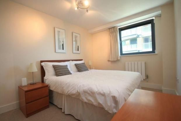 Flat to rent in Millharbour, London