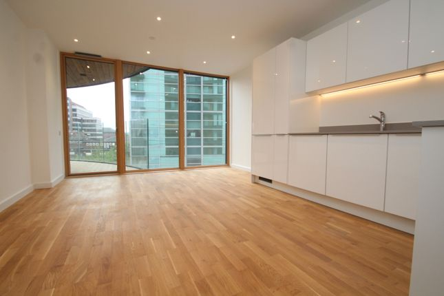 Thumbnail Flat to rent in St Mark's Square, Bromley, Kent