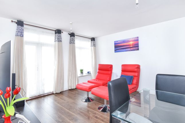 Thumbnail Flat for sale in Magdalene Gardens, London