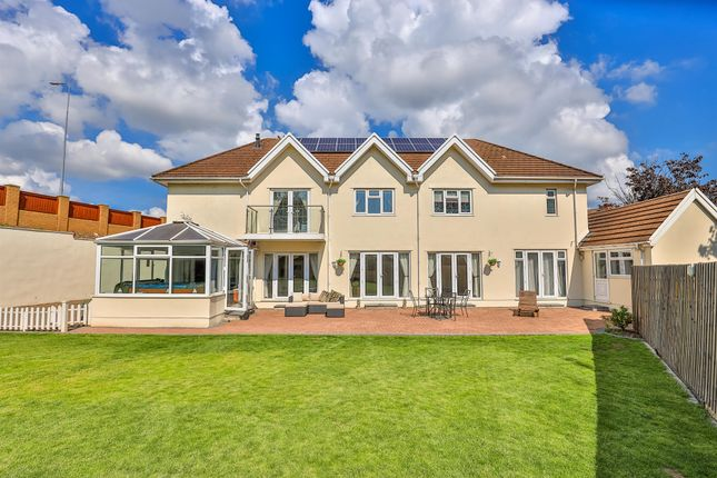 Thumbnail Detached house for sale in Redlands Road, Penarth