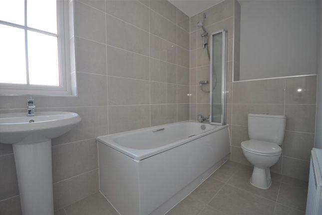 Bathroom of Lamberts Lane, Midhurst, West Sussex GU29