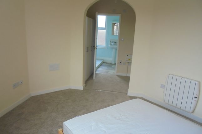 Thumbnail Flat to rent in Crabtree Close, Sheffield