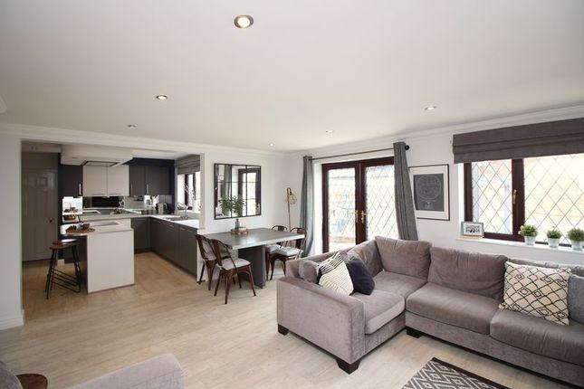 Family Room of Brockenhurst Drive, Harwood, Bolton BL2