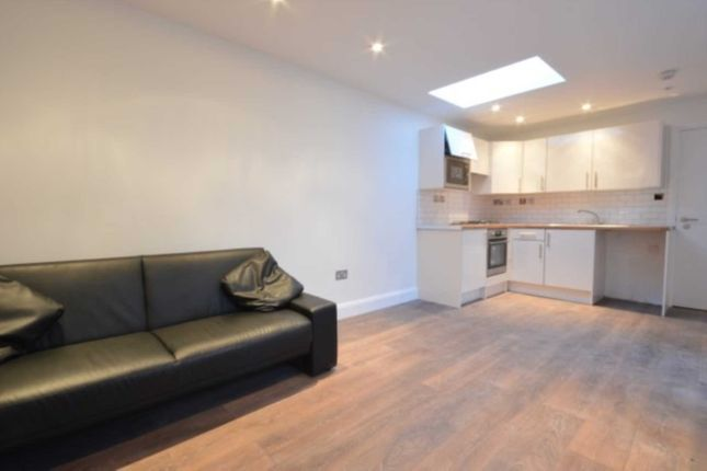 1 bed bungalow to rent in Armstrong Road, Acton W3