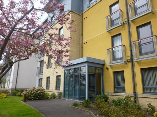 Thumbnail Flat to rent in Barnton Grove, Edinburgh