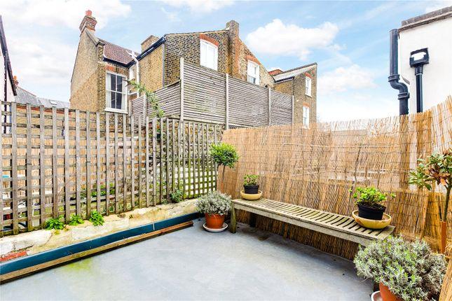 Roof Terrace of Brayburne Avenue, London SW4