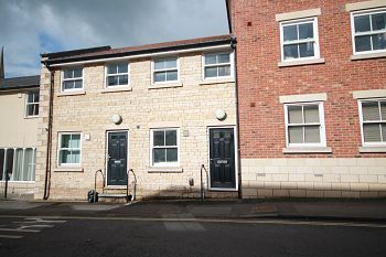 2 bed terraced house to rent in Duke Street, Trowbridge, Wiltshire