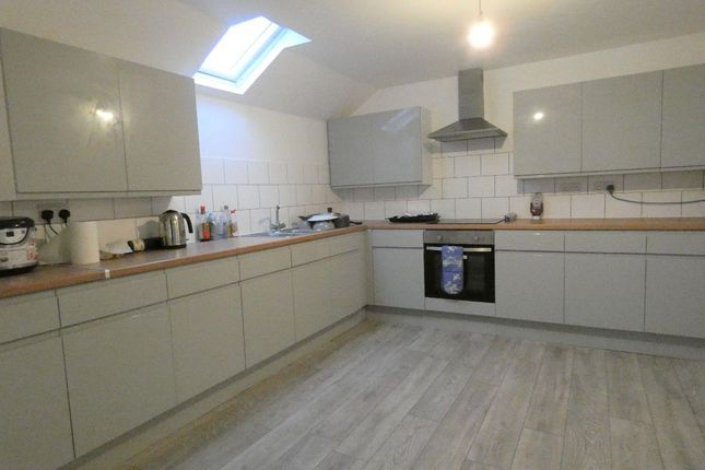 Thumbnail Shared accommodation to rent in Flat 3 Hill Street, Stoke-On-Trent