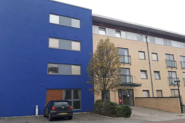 Thumbnail Flat to rent in Watersmeet, St. Mary`S Island, Chatham, Kent