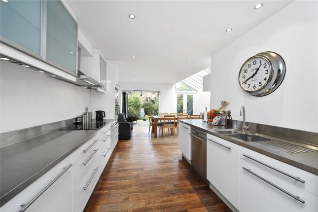 Thumbnail Property to rent in Carlisle Road, London