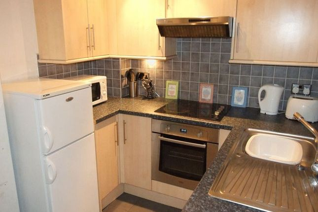 3 bed flat to rent in Greystoke Avenue, Sandyford, Newcastle Upon Tyne