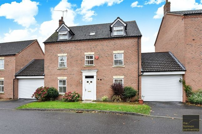 Thumbnail Detached house for sale in Parsons Road, Langley, Berkshire
