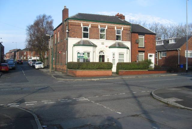 Office to let in Mossley Road, Ashton Under Lyne