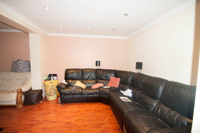 Thumbnail End terrace house to rent in Ashford Avenue, Hayes