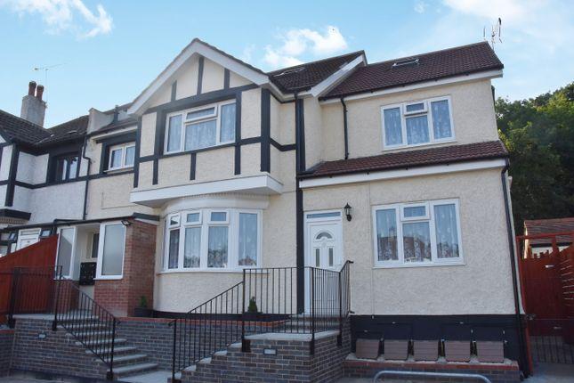 Thumbnail Flat to rent in Brighton Road, Coulsdon, Surrey