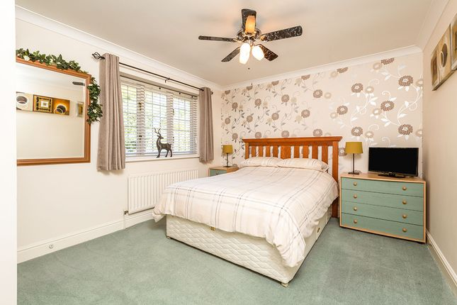 Bedroom of The Hollies, New Barn, Kent DA3