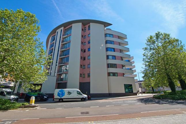 Thumbnail Flat to rent in Balmoral House, Canons Way, Harbourside, Bristol