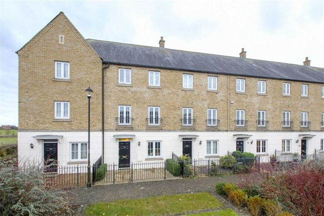 Thumbnail Town house to rent in Goodrich Green, Kingsmead, Milton Keynes, Buckinghamshire