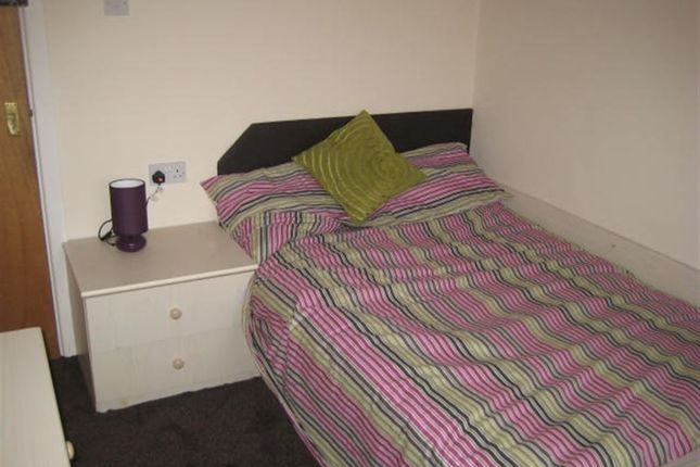 Thumbnail Flat to rent in Hyde Park Road, Hyde Park, Leeds
