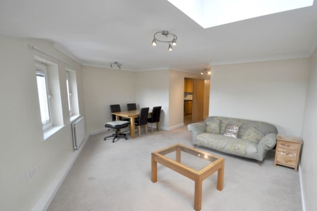 Thumbnail Flat to rent in Colegrove Road, London