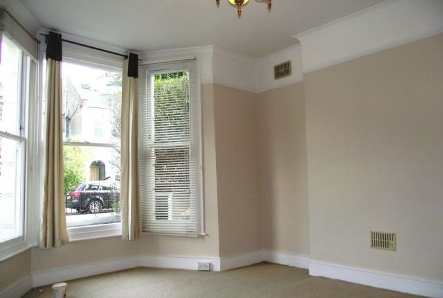 Thumbnail Flat to rent in Wellesley Road, Chiswick, London