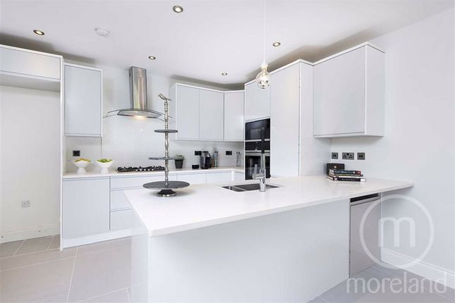 Thumbnail Flat for sale in Finchley Road, Golders Green