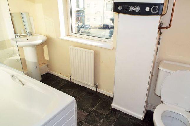 Bathroom of Stanley Street, North Shields NE29