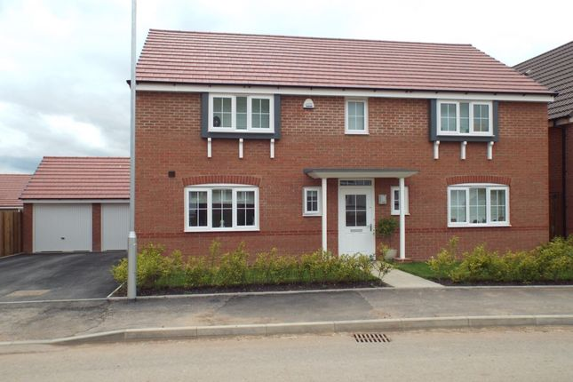 4 bed detached house to rent in Sunset Way, Evesham WR11