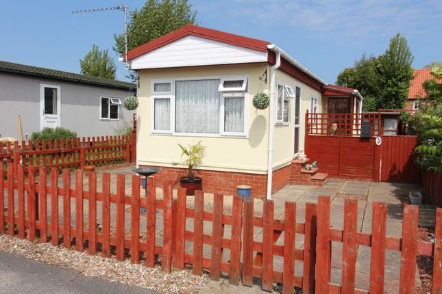 Thumbnail Mobile/park home for sale in Blue Sky Close, Bradwell